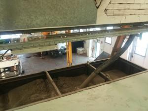 gettata di cemento per fare la astgruttura del cancello